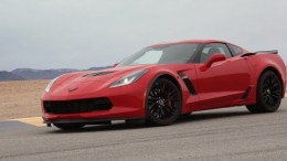 2015 Chevrolet Corvette Z06 Hits the Track