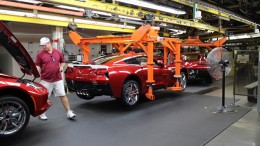 Assembling the Corvette Stingray
