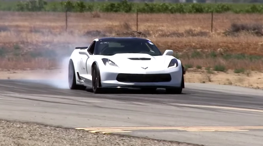 C7 Corvette Z06 takes on a Lamborghini Huracan