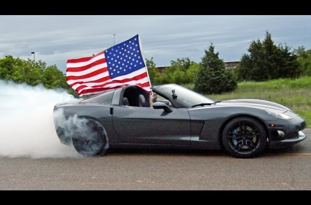 Watch A 800 HP C6 Corvette Do A Burnout For America