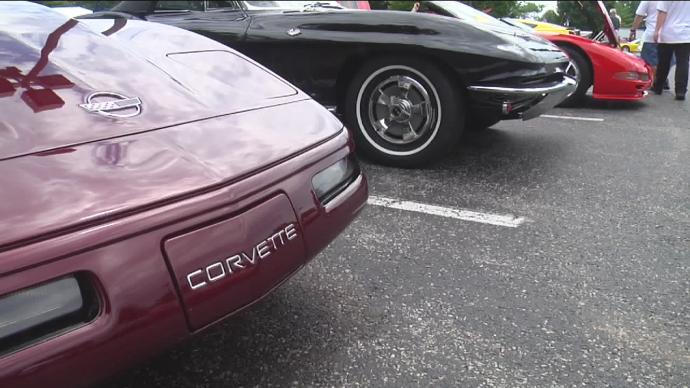 Hundreds of Corvettes cruise into Bowling Green, Kentucky