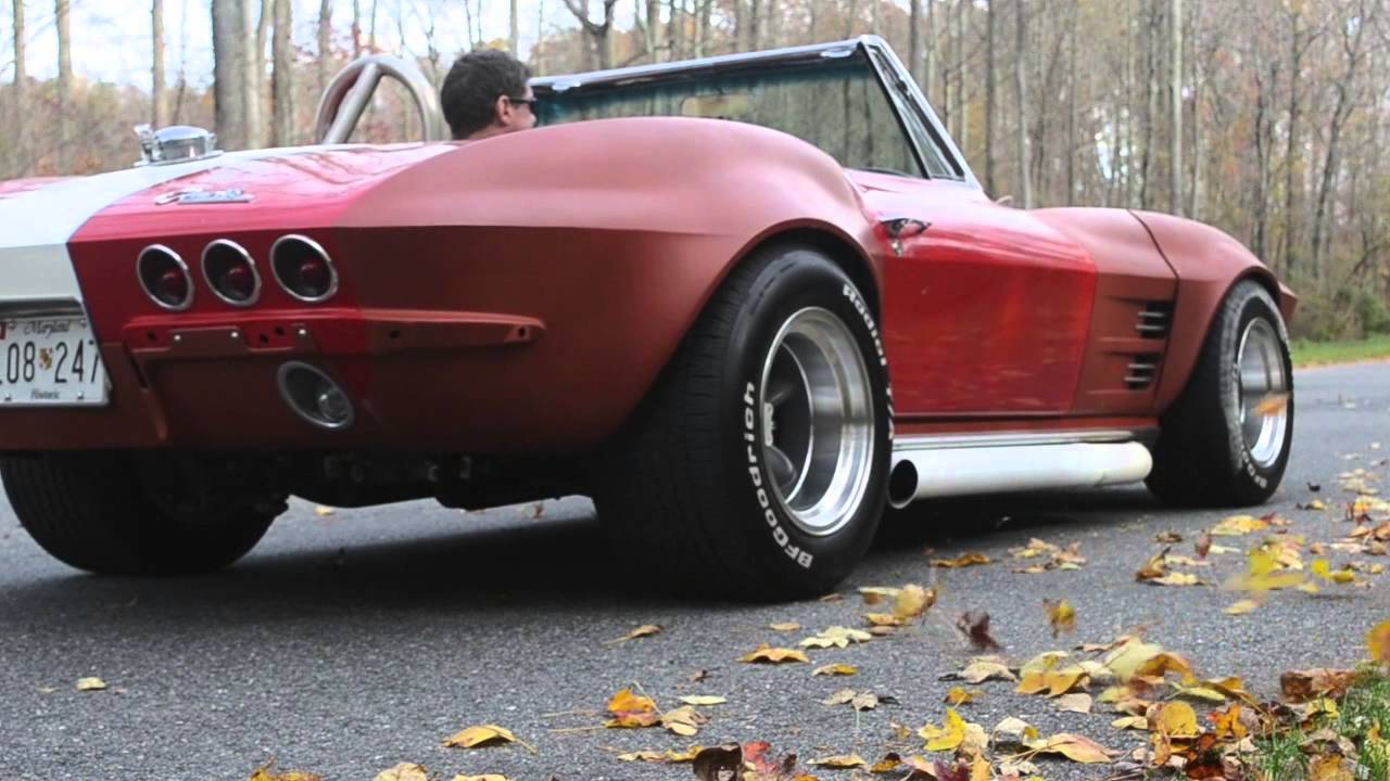 1964 Corvette Stingray burnout – vanishes in a cloud of smoke
