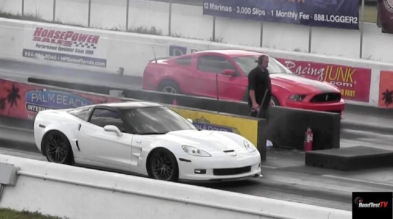 Mustang Boss 302 vs Corvette ZR1 – 1/4 mile Drag Race Video