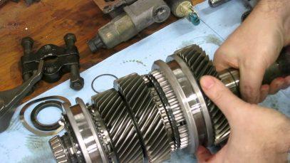 What's inside a C5 Corvette Z06 transmission (T56)