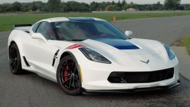 CNET Reviews the 2017 Corvette Grand Sport